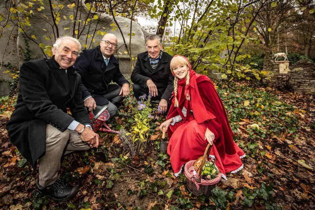 Bouw van De zes Zwanen in Efteling Sprookjesbos begonnen